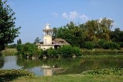 Göra till drottning Hamlet i parkera av den Versailles slotten Fotografering för Bildbyråer
