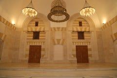 Göra till kung den Hussein Bin Talal moskén i Amman (på natten), Jordanien Arkivfoto