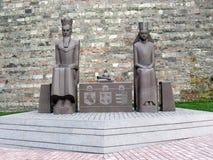 Göra till kung och göra till drottning monumentet på slottkullen i Budapest Fotografering för Bildbyråer