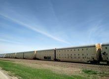 Güterzug auf Land stockfoto