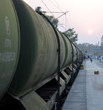 Güterzug im Sonnenuntergang Lizenzfreie Stockfotos