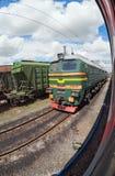 Güterzug in Russland Stockfotografie