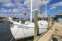 Gąbki łódź rybacka zdjęcia stock