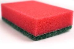 Gąbki dla myć naczynia kolorowy odosobnionego zdjęcia royalty free
