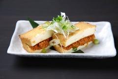 Gęsty smażący tofu faszerujący z wieprzowiną fotografia royalty free