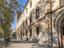 Główna fasada Barcelona Uniwersytecki budynek obraz royalty free