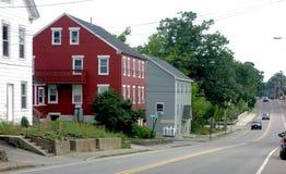 Główna Ulica, mały Maine miasteczko w lecie Obrazy Royalty Free