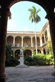 Główne wejście antyczny hiszpański rządowy pałac w Stary Hawańskim zdjęcia stock