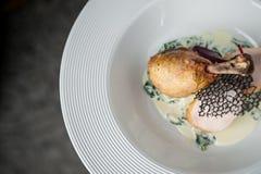 Główny mięsny naczynie na ampule zgłębia talerza Restauracja Obrazy Royalty Free