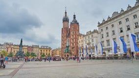Główny targowy kwadrat w Krakow, Polska zbiory wideo