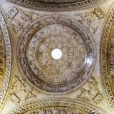 Główny widok ornamentacyjni motywy kopuła xviii wiek kościół i obrazy, Hiszpania fotografia royalty free