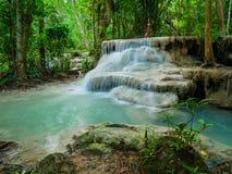 Głęboka lasowa siklawa w Tajlandia Erawan siklawie Fotografia Stock
