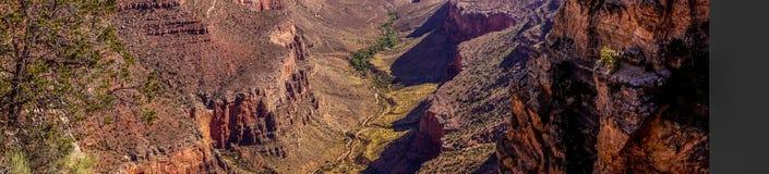 Głęboki jar Uroczysty jar Uroczystego jaru wioska, Arizona Malownicza panorama Obraz Stock