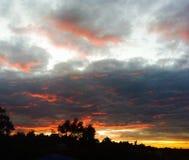 Głęboki pomarańczowy niebo Obraz Stock