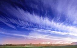 głęboko niebieskie niebo Zdjęcia Stock