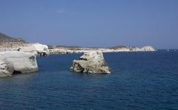 Gładkie linii brzegowych skały Fotografia Stock