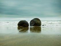 głazu moeraki brzegowy wschodni nowy południowy Zealand Obraz Royalty Free