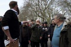 Głośnikowy ` s kąt w Hyde parku, Londyn zdjęcia stock