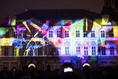 Głos postaci lekki videomapping przy Starym miasteczko kwadratem w Praga podczas Sygnałowego światła festiwalu 2016 Zdjęcia Stock
