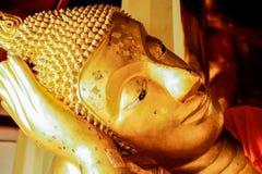 Głowa złoty opierać Buddha wizerunek Zdjęcia Stock