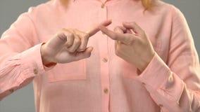Głucha kobieta mówi ciebie jest mój przyjacielem w asl, komunikacja dla głuchego, tutorial zbiory