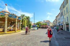 Głównego placu widok w Antibes starym miasteczku, Francja Obraz Stock