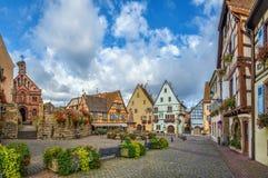 Główny plac w Eguisheim, Alsace, Francja Zdjęcie Stock