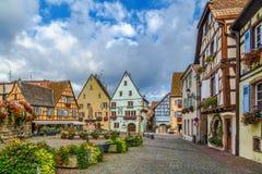 Główny plac w Eguisheim, Alsace, Francja Obraz Royalty Free