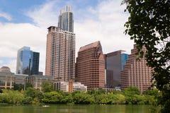 Gładka odbicia Austin Teksas miasta linii horyzontu Kolorado W centrum rzeka Obrazy Stock