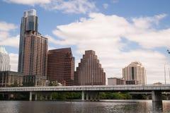 Gładka odbicia Austin Teksas miasta linii horyzontu Kolorado W centrum rzeka Zdjęcia Stock
