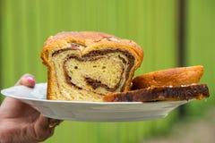 Gąbka tort na talerzu Fotografia Royalty Free