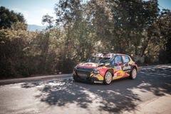 G de Mevius u. M Wydaeghe konkurrieren im 2019 WRC-Ausflug de Corse stockbild