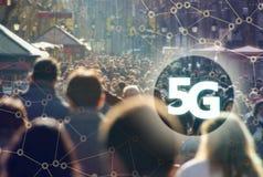 5G eller LTE-presentation Barcelona modern stad på bakgrunden Royaltyfri Bild