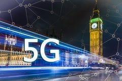 5G eller LTE-presentation London modern stad på bakgrunden Arkivfoton