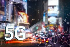 5G eller LTE-presentation New York City modern stad på bakgrunden Royaltyfria Bilder