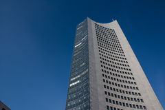 G för blåa himlar för skyskrapa för Highrise för Leipzig panoramatorn utomhus Royaltyfria Bilder
