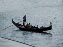 Gôndola só no mar Fotografia de Stock