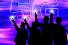 5G Netz - die touchable Superhohe geschwindigkeit die gemacht für alle stockfotos