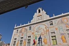 g?nova Palacio de San Jorge y el camino elevado imagen de archivo
