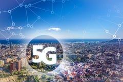 5G ou apresentação de LTE Cidade moderna de Barcelona no fundo Fotos de Stock Royalty Free