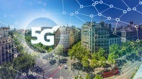 5G ou apresentação de LTE Cidade moderna de Barcelona no fundo Imagem de Stock Royalty Free