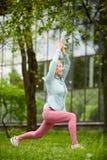 G?ra yoga?vning royaltyfria bilder