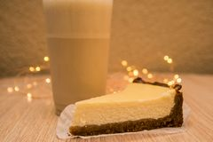 G?teau au fromage et milkshake photo stock