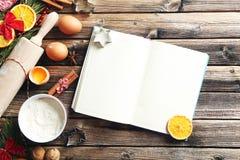 Gałąź z pomarańczami, cynamonem i jajkami, Obrazy Stock