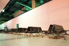 Ga aan luchthaven binnen Stock Foto's