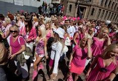 Ga de parade van de Blonde in Riga royalty-vrije stock foto's