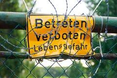 ga geen teken in - Betreten verboten Stock Foto