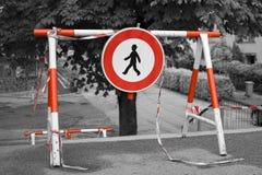 Ga teken geen barricade in stock foto