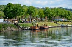 Gabares célèbres sur la rivière Dordogne photographie stock
