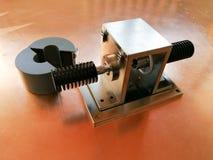 Gabarito da calibração de BCI para o teste da compatibilidade eletrónica no fundo da placa de cobre foto de stock
